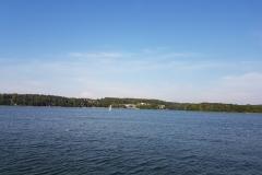 Niebieski szlak rowerowy: Duża pętla mrągowska; Mragowo, Jezioro Czos, widok na Amfiteatr