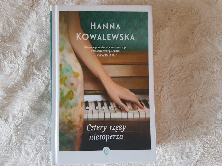 Hanna Kowalewska: Cztery rzęsy nietoperza