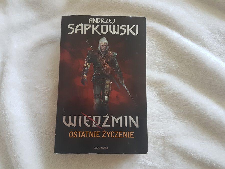 Andrzej Sapkowski: Ostatnie życzenie, Miecz przeznaczenia