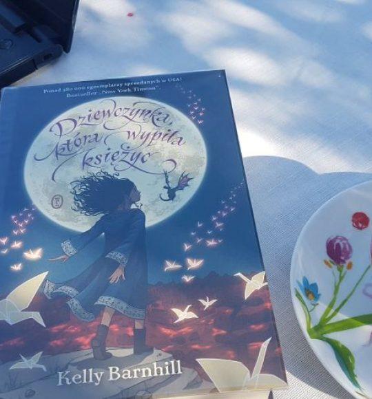 Kelly Barnhill: Dziewczynka, którawypiła księżyc