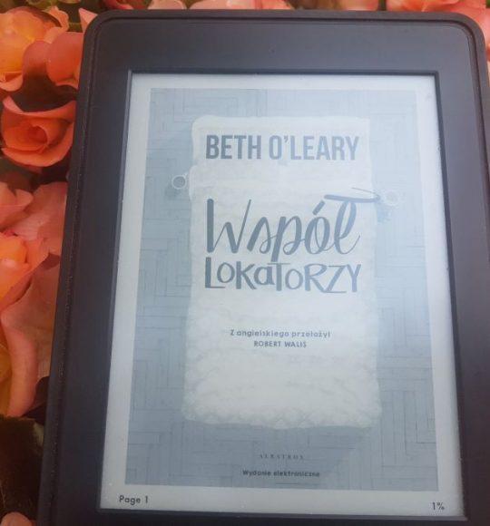 Beth O'Leary: Współlokatorzy