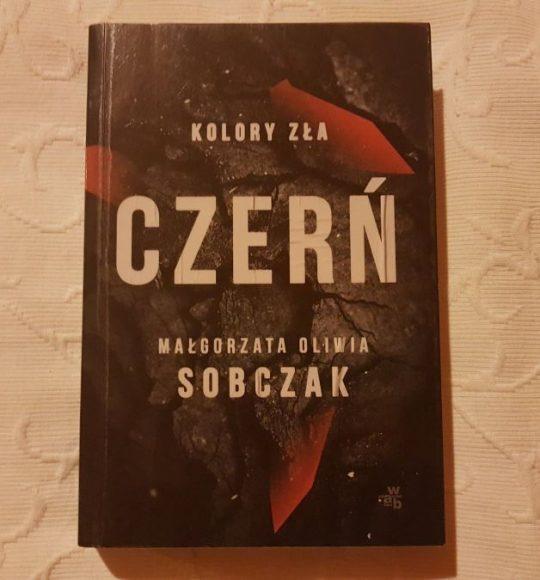 Małgorzata Oliwia Sobczak: Kolory zła: Czerń